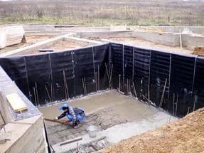 Ли бассейне нужна гидроизоляция стен в